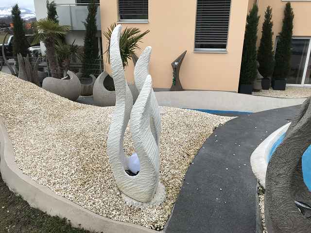 Skulptur-weiss-3-armig